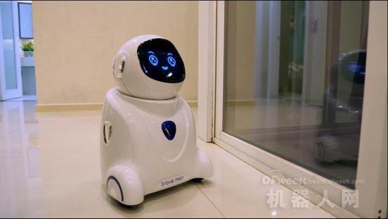 小勇机器人:为时代而生的机器人 从玩具到玩伴的跨越