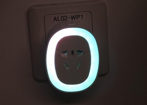 带夜灯功能的智能插座开箱
