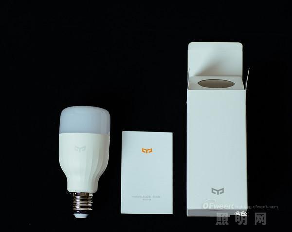 小米Yeelight二代智能LED灯泡评测:做工精湛的健康光源