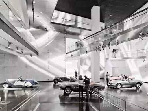 宝马汽车博物馆中的欧司朗OLED灯具