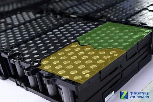 简析新能源汽车电池:三元锂电池与磷酸铁锂电池