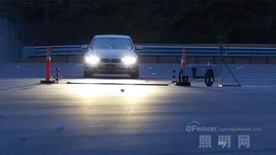 IIHS汽车大灯评测结果分析:车灯优劣与价格关系不大