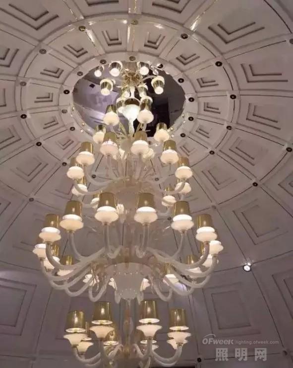米兰国际家具展开幕 这些灯具最耀眼