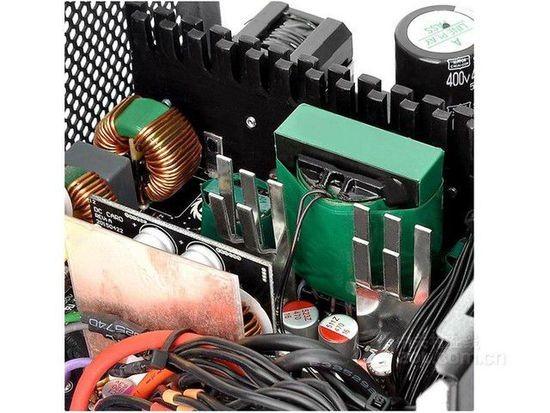 而且提供了独立模组输出pcb电路板,加上超大风量的静音风扇设计,能够