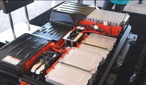 电动汽车电池设计应允许异物侵入