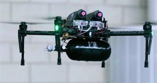 氢燃料电池能让无人机不停地飞两个小时