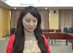 """你能看出这是机器人吗?中国首个美女机器人""""上手""""体验"""