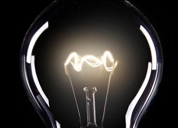 """摆脱""""外冷内热""""局面 培育智能照明市场的两个关键点"""