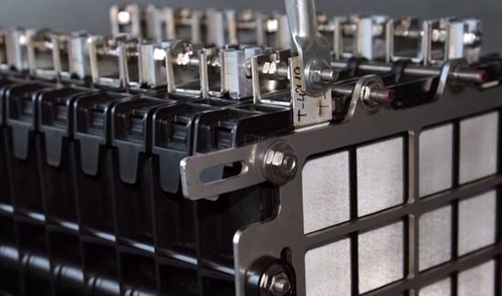 新旧标准对比 电池政策调整的风险与机会