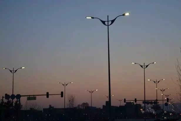 当智能路灯具有文艺范 城市照明演绎得更精彩图片