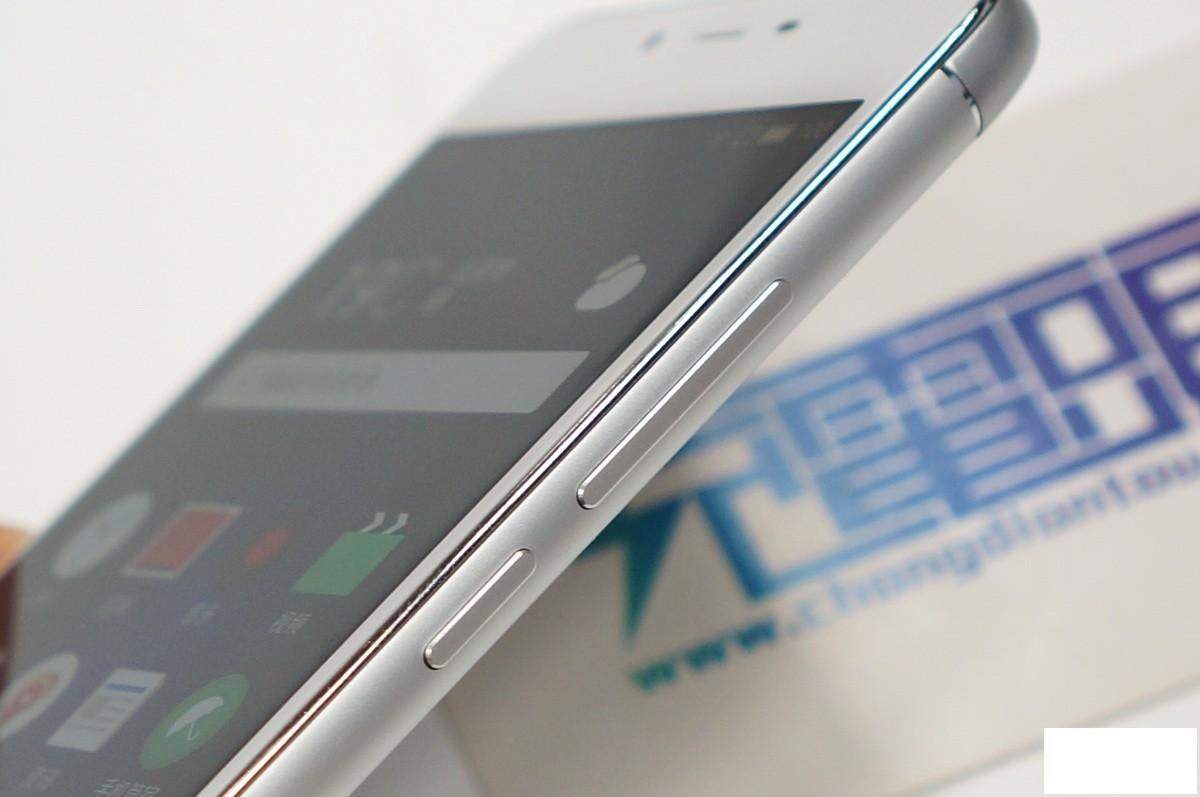3020mAh电池提升15%续航力 魅蓝3s充电速度实测