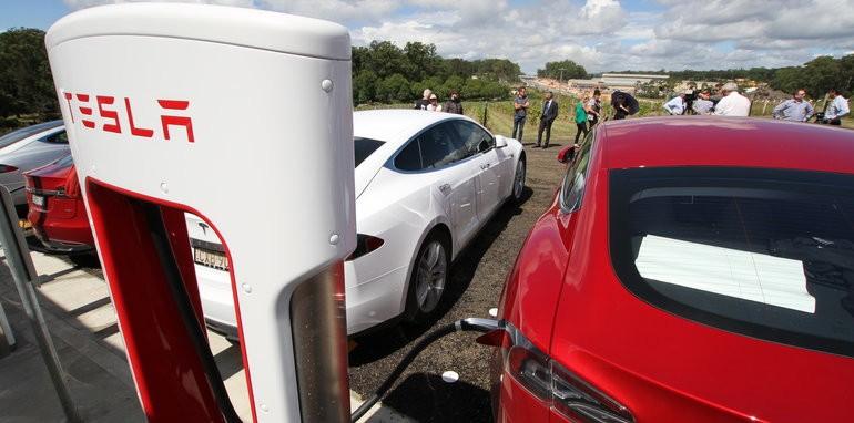特斯拉Model 3车主需付费利用充电桩
