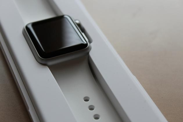 全球智能手表出货量下滑 Apple Watch销量减半