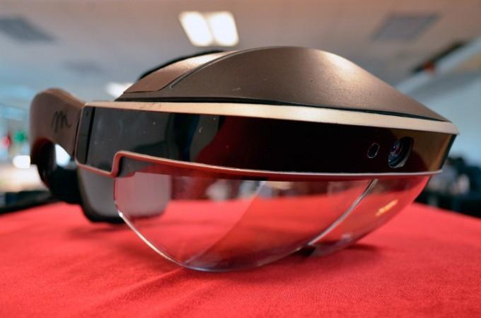 Meta 2 智能眼镜评测:AR 浪潮的新开端