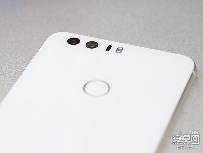 """荣耀8手机评测:一部走""""光""""的旗舰"""