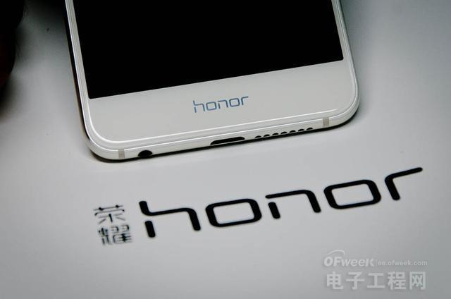 荣耀8详细评测:比iPhone手机好了不止一点点!