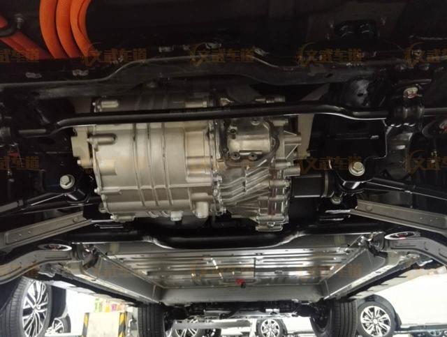 比亚迪宋EV实车曝光:续航250公里