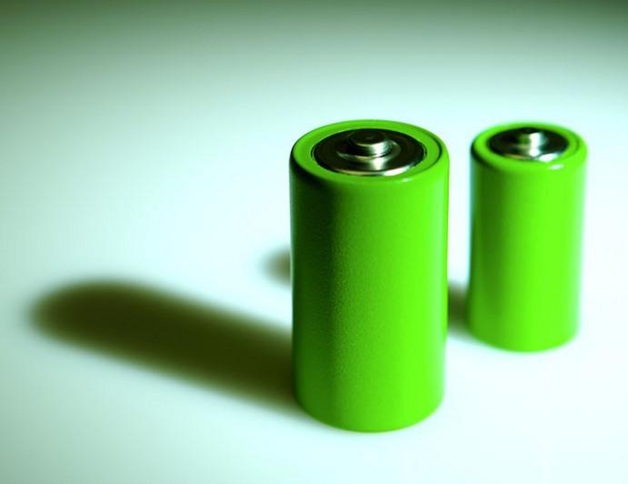 新能源机遇挑战并存 锂电池踏上新征途