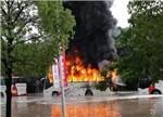 【聚焦】南京电动大巴浸水起火谁之过?