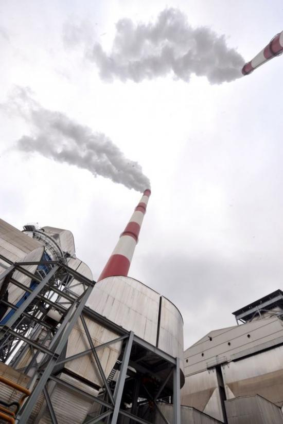 华能福州电厂用脱硫设施控制排放污染