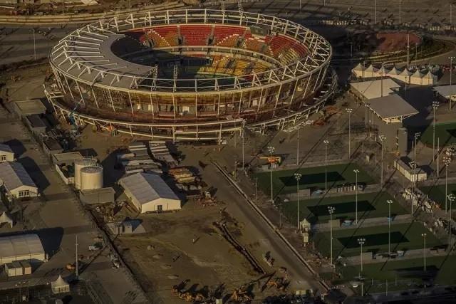 """里约奥运开幕在即 LED显示屏""""看点""""多"""