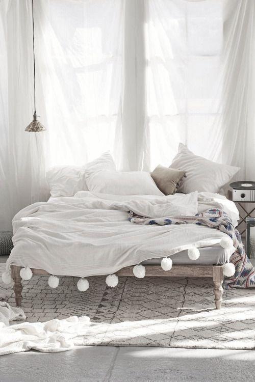 九种床头照明设计打造温暖睡前阅读区