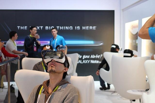 """三星Gear VR 噩梦来了:谷歌""""白日梦""""让移动 VR 渐行渐近"""