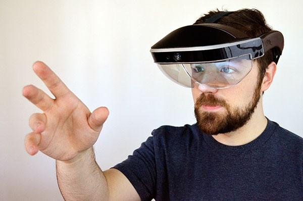 HoloLens领衔 五款热门智能AR眼镜盘点