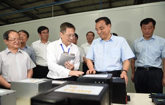 江西考察首站 总理为何选择电池企业?