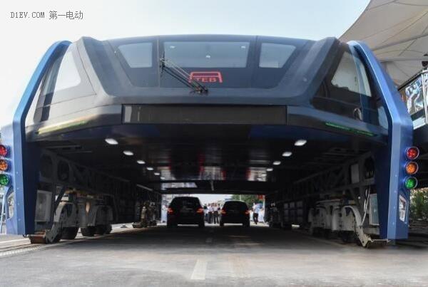 """22米""""空中巴士""""来了:电力驱动 可载客300人"""