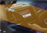 传统燃油车PK智能电动汽车 前者将被颠覆?