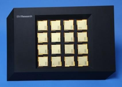"IBM展示""大脑""芯片 内置100万个数字神经元"