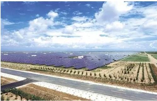 世界上最大的光伏电站是中国龙羊峡水光互补光伏电站,装机容量达850