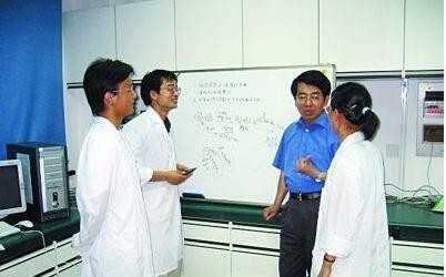 南工大科研团队成功研制最高效钙钛矿LED
