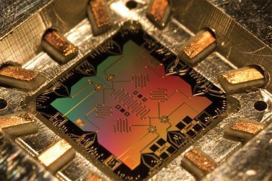 谷歌全球最强量子计算机有望明年问世
