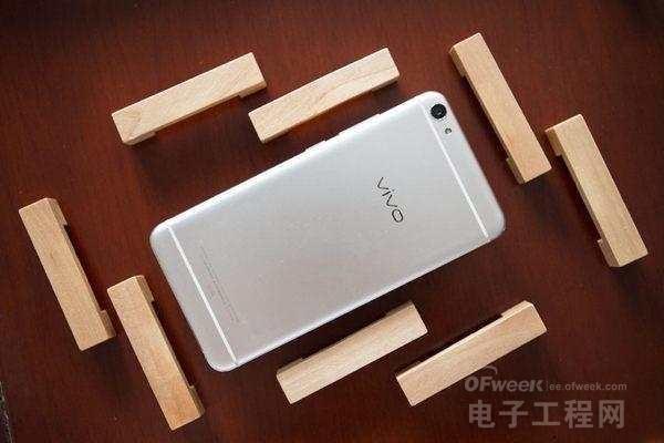"vivo X7Plus""大战""iPhone 7Plus:差距并不大?哪款称心?"