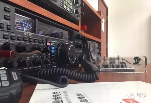 """短波新手试着和国外电台联络?让你蜕变成为""""QSO高手"""""""