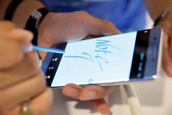 苹果OLED面板订单竞赛趋烈 三星材料供应商全面备战