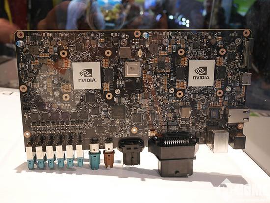 阿尔法一代机器人电路板图片
