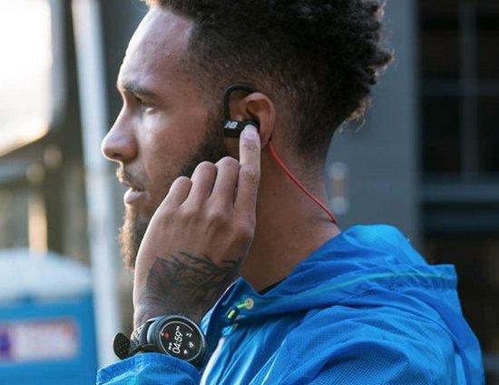 运动品牌青睐科技,可穿戴行业能借此复苏吗?