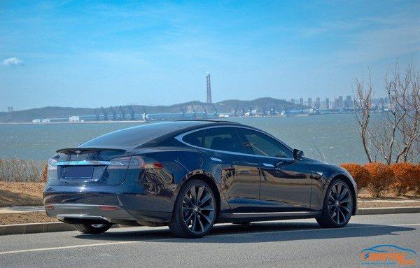 踩电门也有快感 这些电动汽车堪比大排量V12