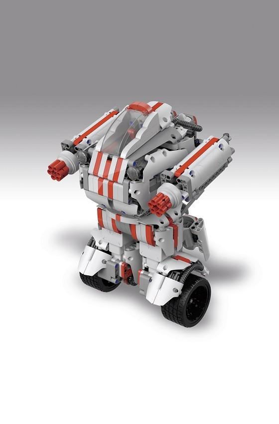 智能玩具机器人教导儿童机器人知识和编程技巧