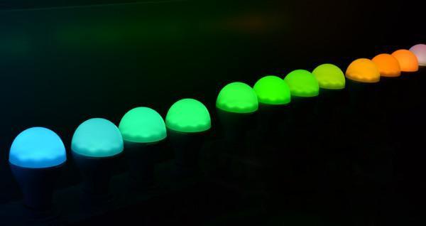 江风益团队再结硕果 黄光LED芯片让世界赞叹