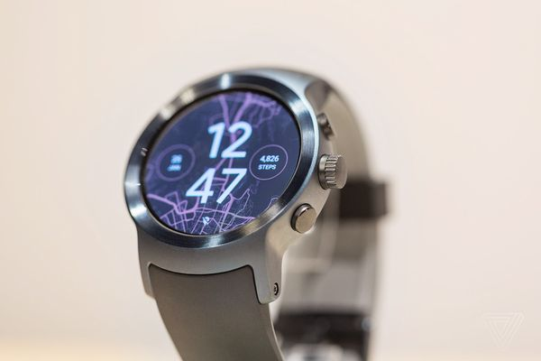 LG  正式发布 Android  Wear  2.0 智能手表新品:Sport  / Style