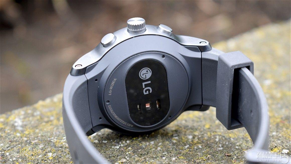 LG  Watch  Sport上手评测 Android  Wear  2.0的完美展示
