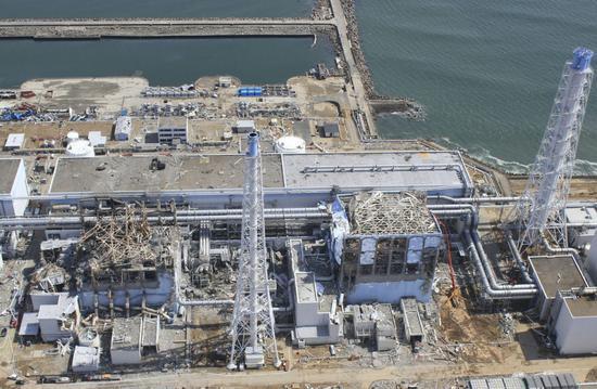OFweek节能环保网讯 近日关于日本核辐射的报道再次在媒体上炒热,有报道甚至声称福岛核电站受损机组附近的辐射量已经达到死亡界线。面对人们的谈核色变,微博注册显示为亚洲通讯社社长的媒体人徐静波近日就在日本对核辐射量来了一个现场验证。