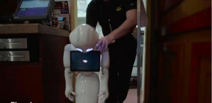 软银机器人闯荡美利坚:迎宾、卖酒、指路啥都干
