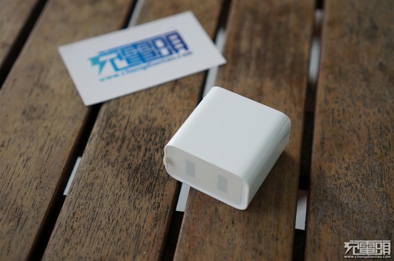小米双口QC3.0充电器CDQ03ZM拆解:单口快充双口慢充?