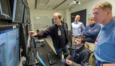 利弗莫尔实验室创下拍瓦激光新纪录