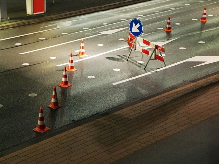 自动驾驶遇到施工道路:一脸懵逼